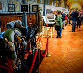 32-otwarcie_wystawy_3_pulk_ulanow_slaskich_historia_tradycja_wspolczesnosc_w_stajni_37ec